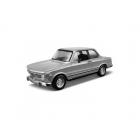 Bburago BMW 2002 tii 1972 1:32 stříbrná